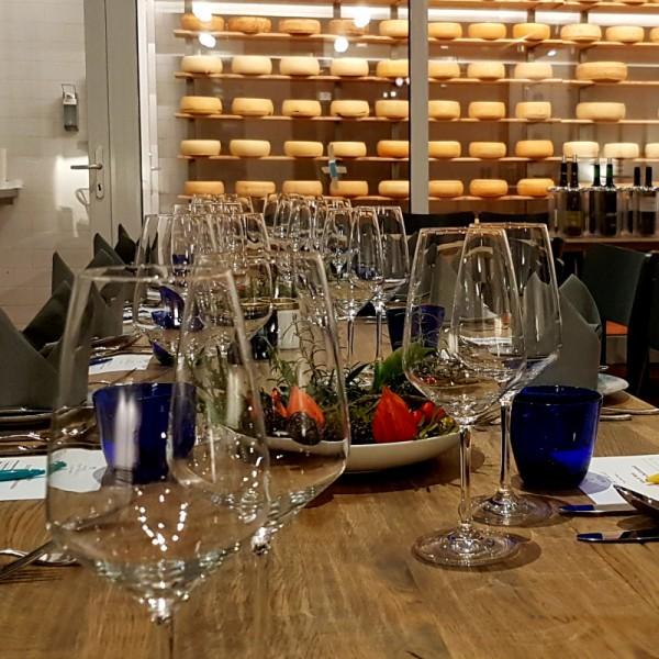 Wein & Käse mit der Hofkäserei Backensholz